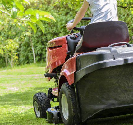 traktor ogrodowy